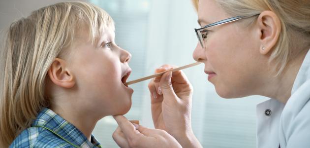 هل التهاب الحلق يسبب ضيق تنفس