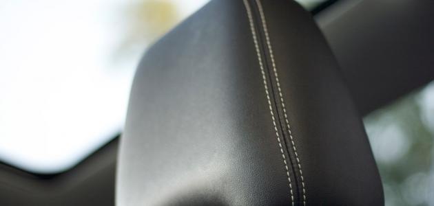 طريقة تنظيف جلد السيارة موضوع