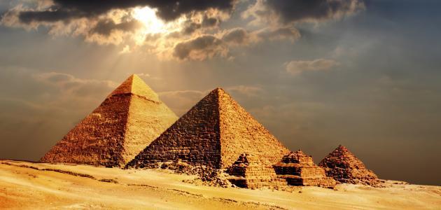 مساحة مصر وعدد سكانها