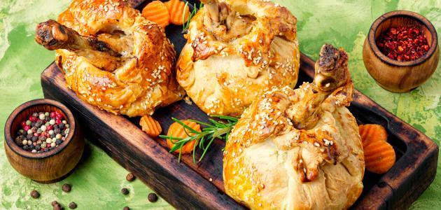 طريقة عمل أفخاذ الدجاج بالبف باستري