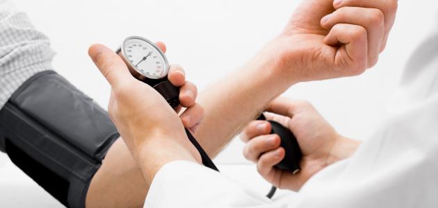 أسباب هبوط ضغط الدم وعلاجه
