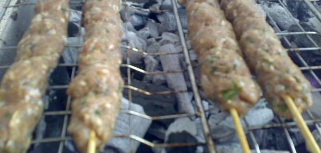طريقة عمل كباب الدجاج المشوي على الفحم