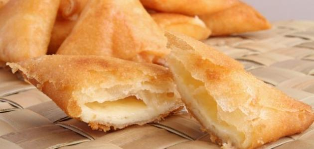 طريقة حشو السمبوسة بالجبنة