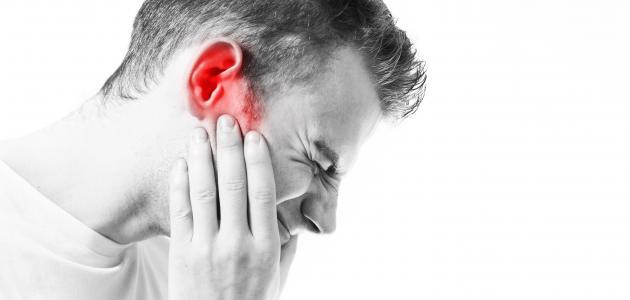 ما هو سبب طنين الأذن