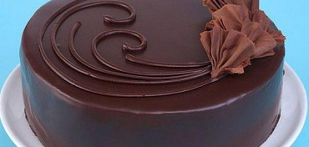 طرق تزيين كيكة الشوكولاتة