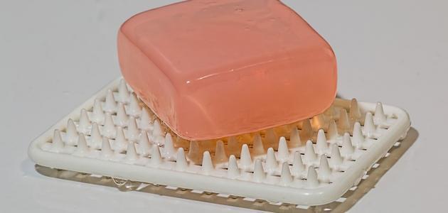 فوائد صابونة الكركم للبشرة الدهنية
