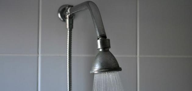 ما فوائد الماء الساخن