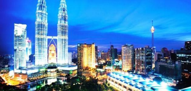 كم يبلغ عدد سكان ماليزيا