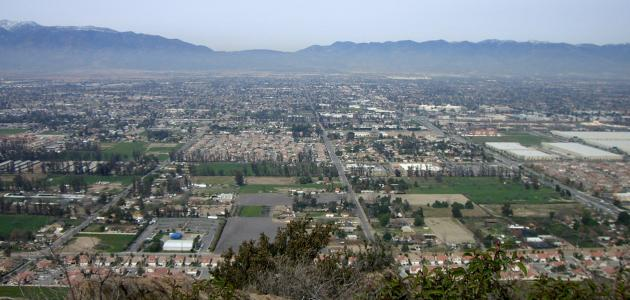 كم عدد سكان كاليفورنيا