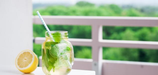 فوائد الماء والليمون صباحاً
