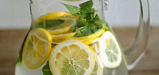 فوائد الماء مع الليمون وقشره
