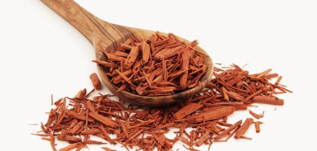 فوائد خشب الصندل الأحمر