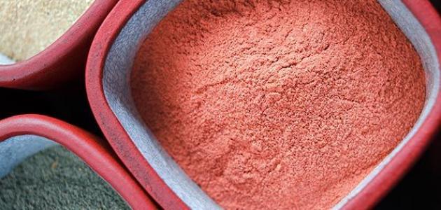 فوائد الطين الأحمر