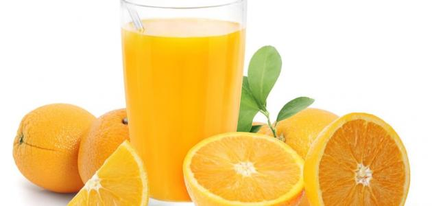 عمل عصير برتقال طازج