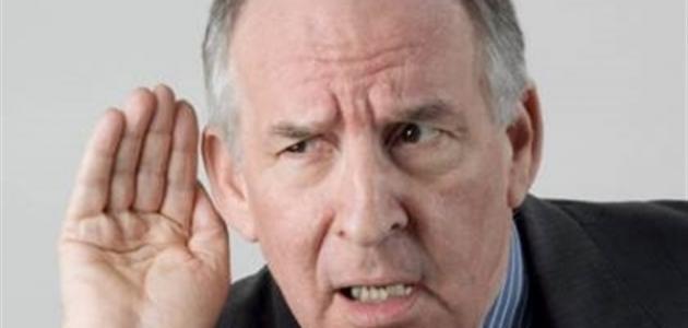 علاج ضعف السمع عند كبار السن