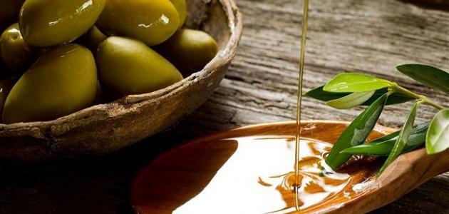 فوائد وضع زيت الزيتون في السرة