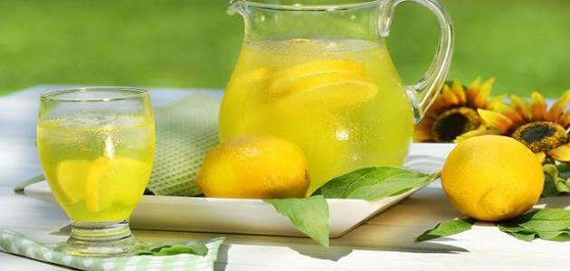 فوائد عصير الليمون مع الماء على الريق