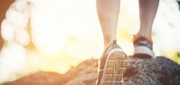فوائد رياضة المشي لشد الجسم