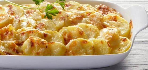 طريقة عمل صينية البطاطا بالبشاميل