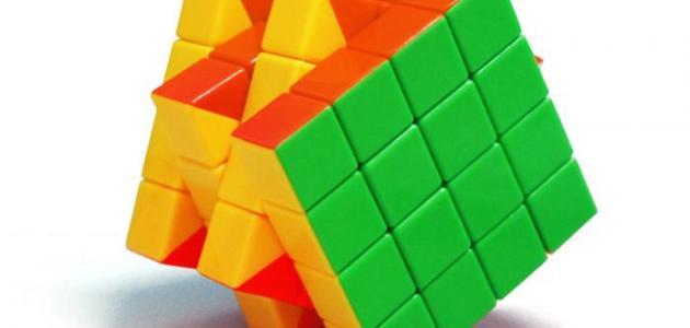 فوائد لعبة المكعبات للأطفال