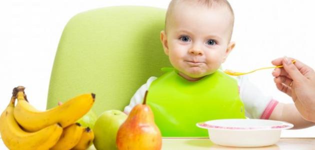 عدد وجبات الرضيع في الشهر السادس