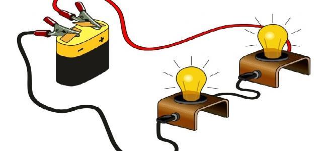 عناصر الدارة الكهربائية البسيطة ورموزها