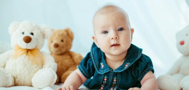 كم الوزن الطبيعي لطفل عمره ثمانية شهور