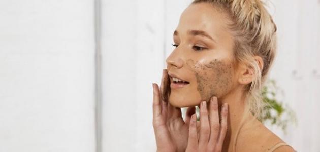فوائد تقشير الوجه بأحماض الفواكه