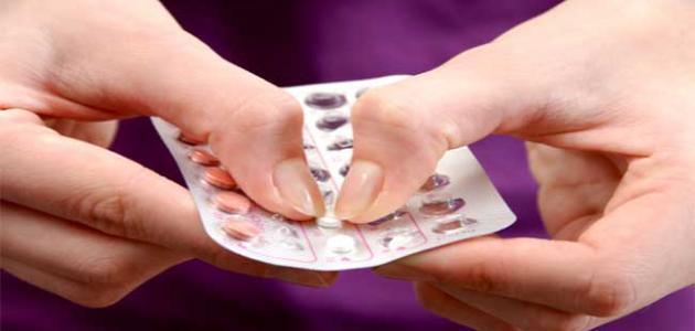 أضرار حبوب منع الحمل مع الرضاعة
