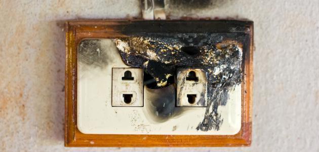 فوائد ومخاطر الكهرباء