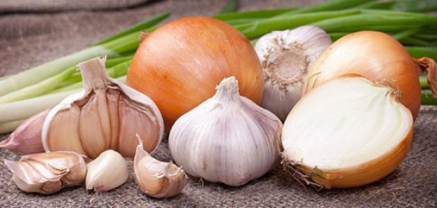 فوائد زيت الثوم والبصل للشعر