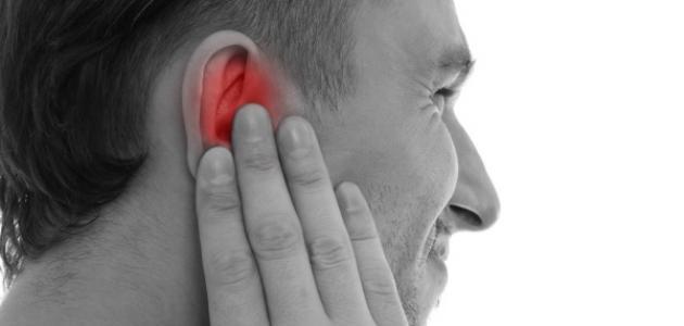 أعراض ضغط الأذن الوسطى