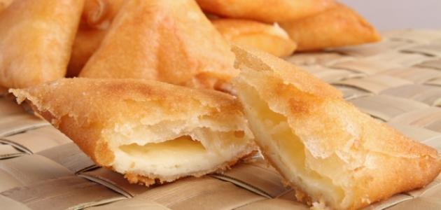 طريقة عمل سمبوسة بالبيض والجبن