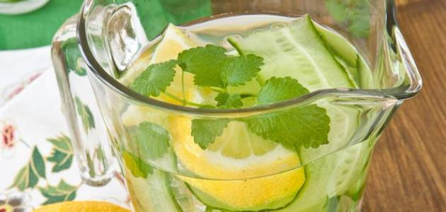 فوائد شرب الماء مع الليمون والخيار