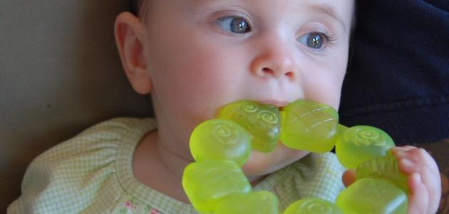 متى يبدأ ظهور الأسنان عند الطفل