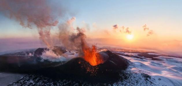مراحل انفجار البركان
