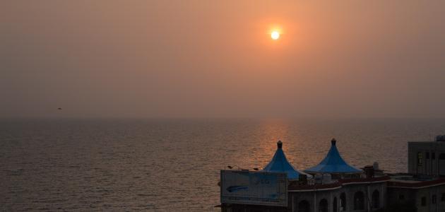 مدينة يمنية على البحر الأحمر