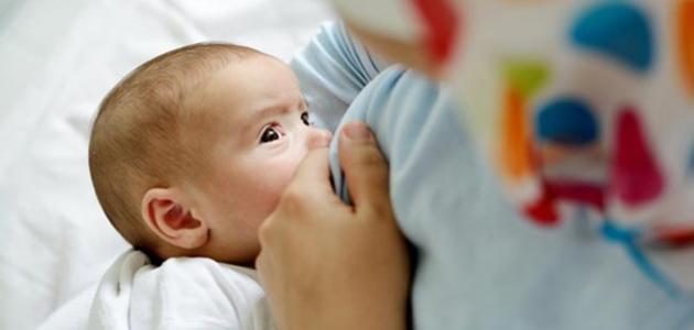 فوائد الرضاعة بالنسبة للأم - فيديو