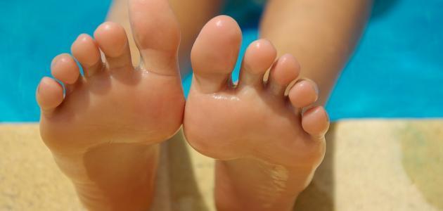 طرق للتخلص من رائحة القدمين