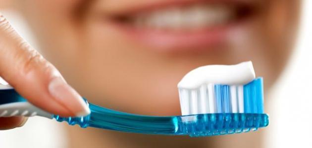 صنع معجون الأسنان