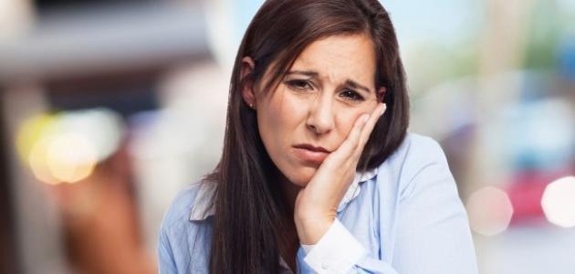 طرق طبيعية لتخفيف ألم الأسنان