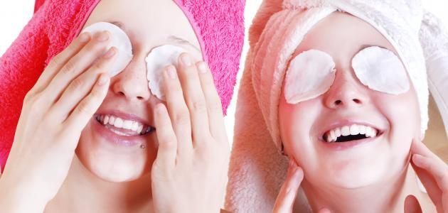 فوائد كمادات الماء الدافئ للعين