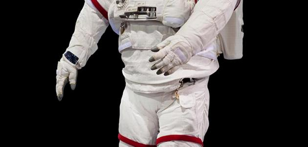 اول رائد فضاء عربي مسلم