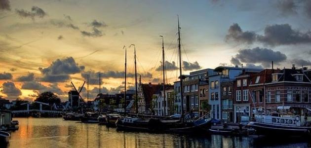 مدينة ليدن في هولندا
