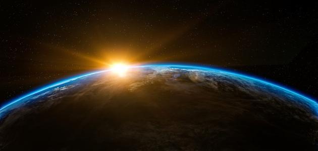 معنى إن في خلق السماوات والأرض