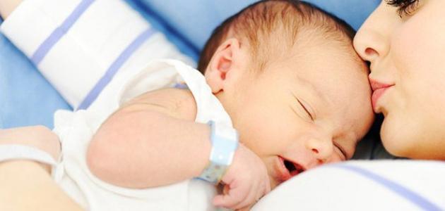 أسئلة شائعة عن حديثي الولادة - فيديو