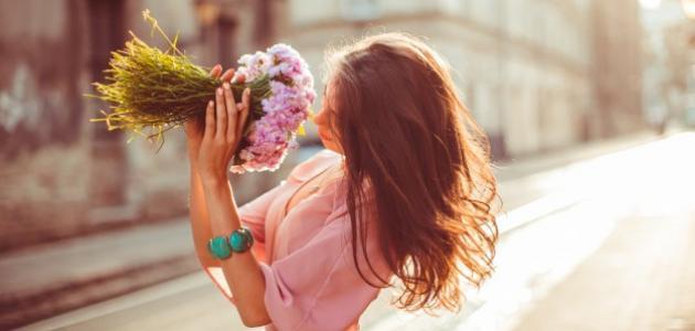 علامات الحب عند النساء في علم النفس