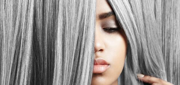 طريقة صبغ الشعر باللون الرمادي الغامق موضوع