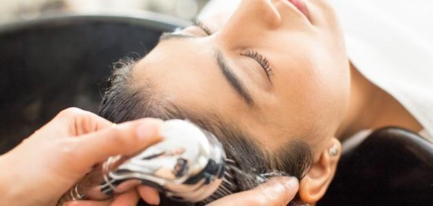 طرق غسل الشعر الصحيحة