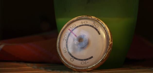 الفرق بين درجة الحرارة وكمية الحرارة